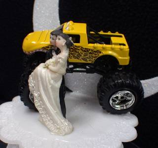 wedding cake topper with truck big yellow truck 4 wheeler wedding cake topper 26664