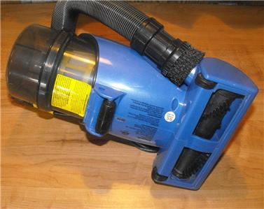 Shark Bagless Cyclonic Blue Hand Vac V15z In Box W