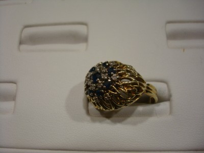 VINTAGE HEIRLOOM 14 KARAT YELLOW GOLD SAPPHIRE & DIAMOND COCKTAIL RING