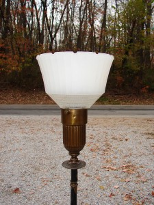 Vintage rembrandt r 9470 brass floor lamp light wglass shade ebay vintage rembrandt r 9470 brass floor lamp aloadofball Gallery