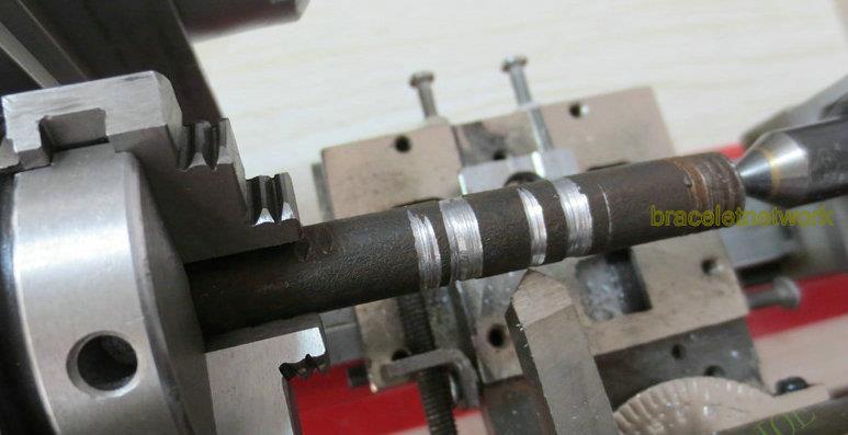 Polishing lathe