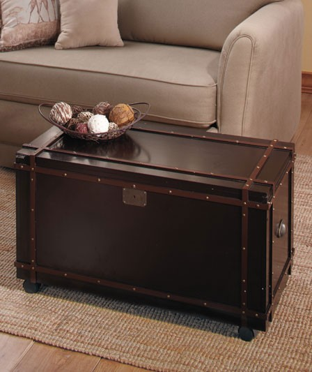 NEW Rolling Classic Steamer Trunk Chest Coffee Table Or