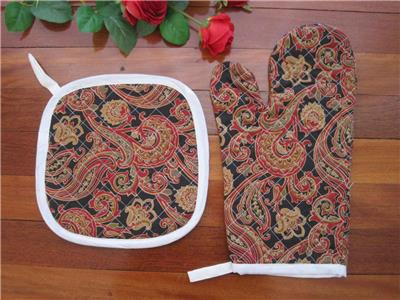 One Kitchen Red Hot Canvas Diamond Embroidery Cotton Quilted Oven Mitt Glove