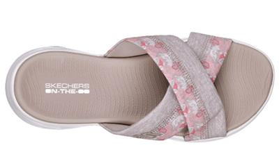 85ce8dc40fdd Side S logo. Soft fabric strap lining. Contoured comfort footbed. Weight   Radically lightweight 3.5 oz. in a women s size 7