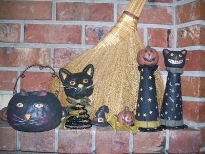 Black Cat Head On Witch Hat Rustic Paper Mache