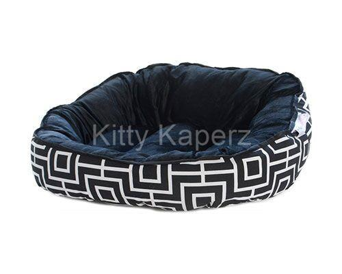Barkley & Bella Reversible Cozy Comfy Kitty Bed - Black Geo