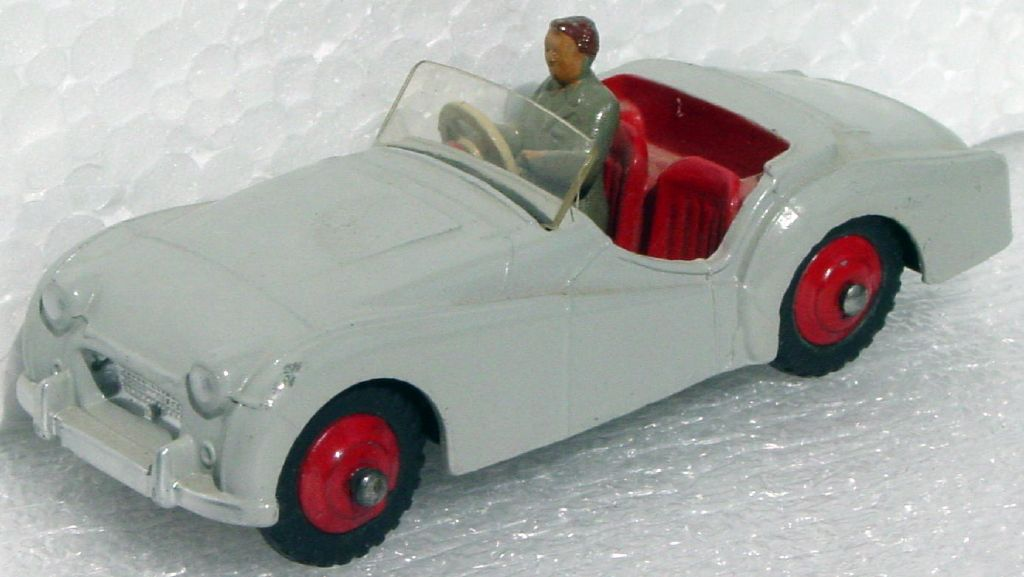 Dinky 105 - Triumph TR2 Gray/red 3 chips