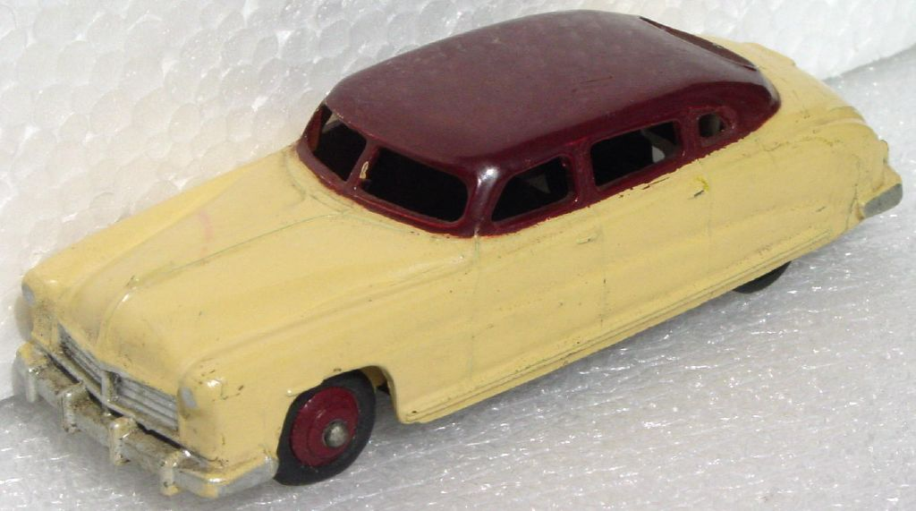 Dinky 139 B - Hudson Commodore Cream and Maroon base rust
