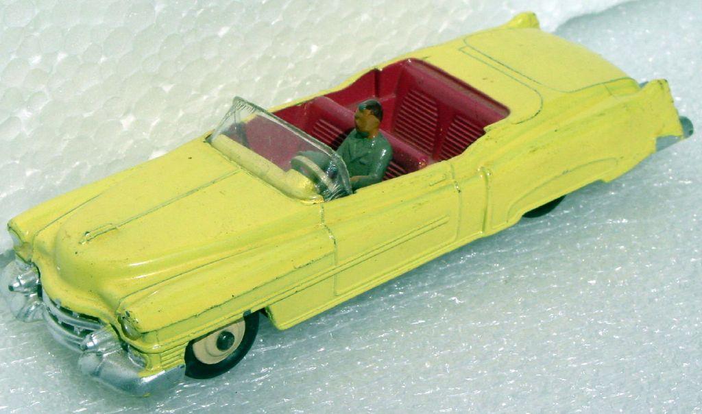 Dinky 131 - Cadillac Eldorado Yellow cream hubs