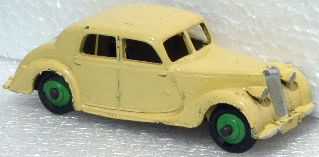 Dinky 40 A - Riley Cream green hubs