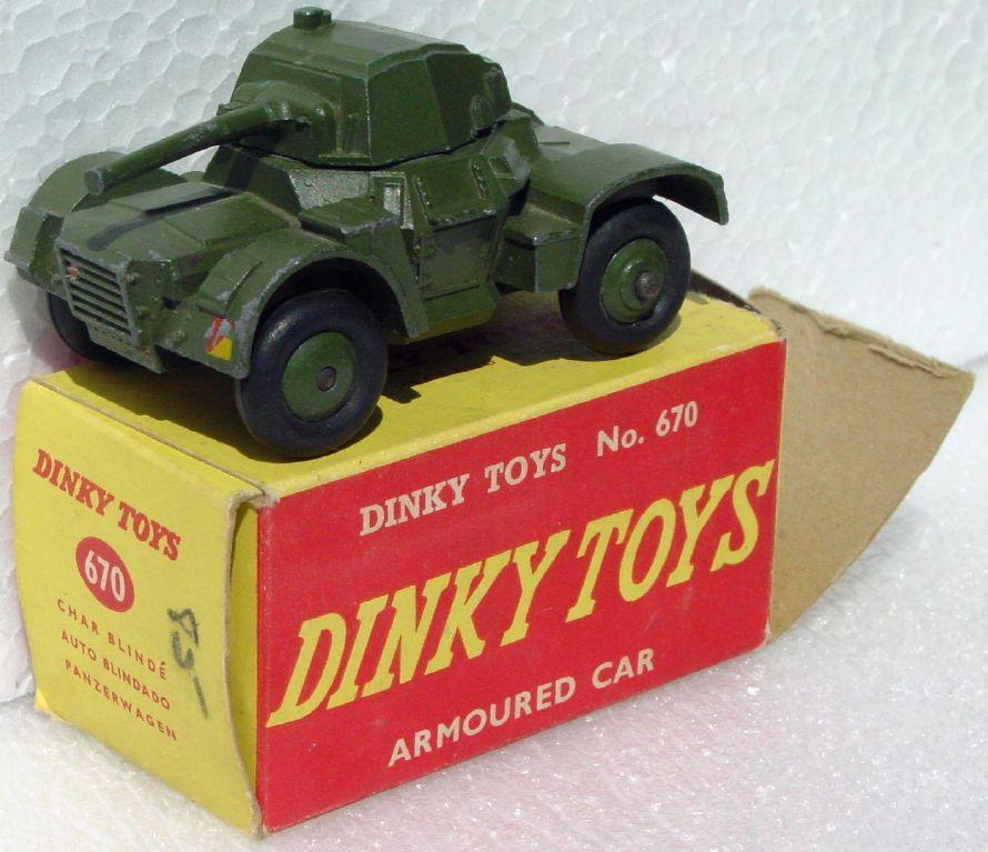Dinky 670 - Armoured Car C9 box 1 loose flap