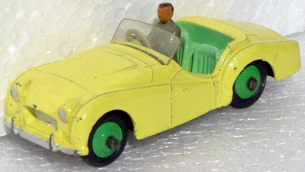 Dinky 105 - Triumph TR2 Lemon Yellow