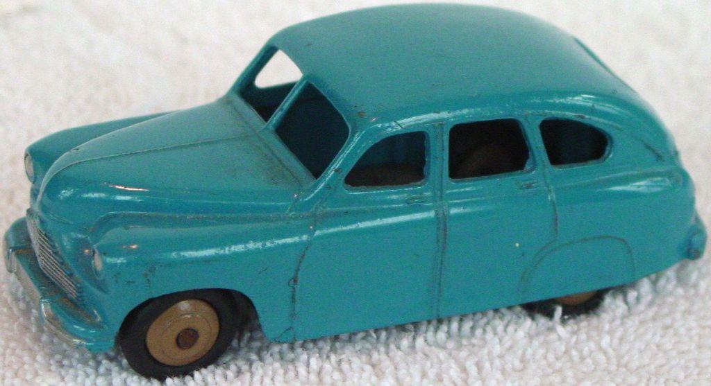 Dinky 40 E - Vanguard green-blue tan hubs slight edgewear