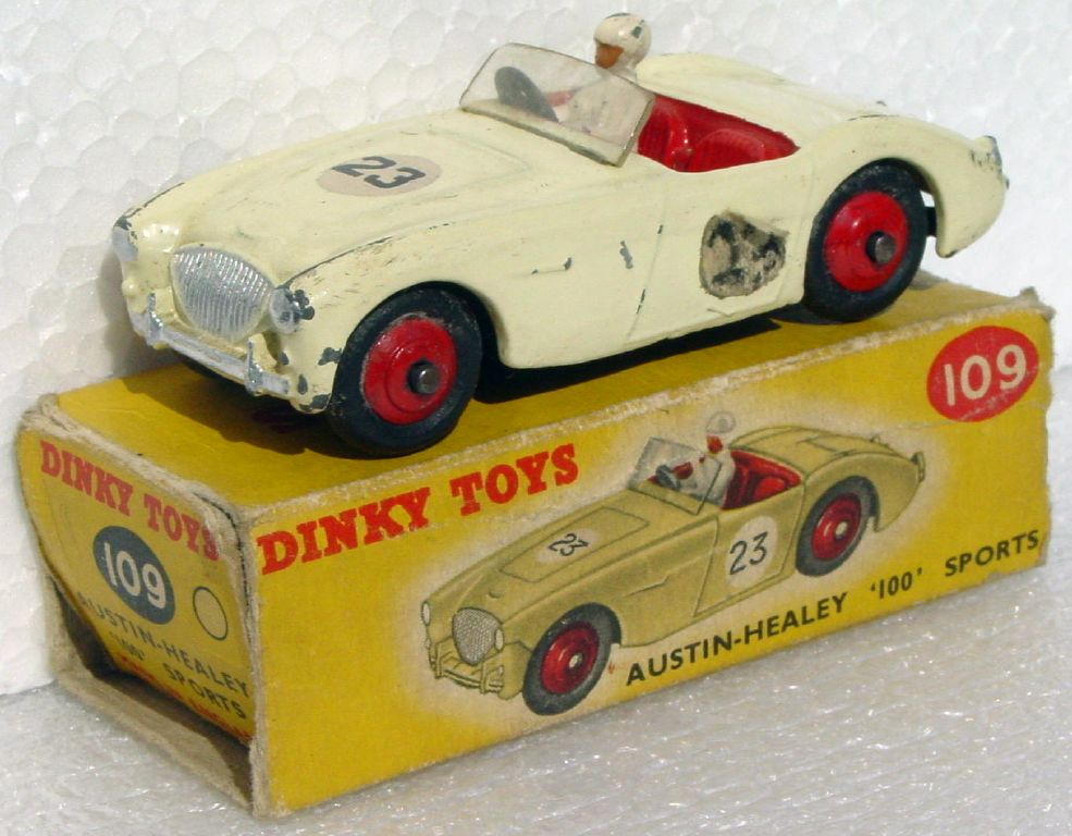 Dinky 109 - Austin Healey Cream 23 C8 box 1 side no flaps