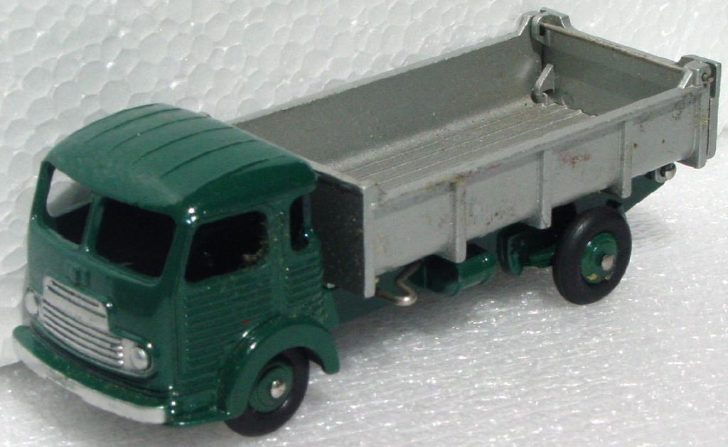 Dinky 33 B - Simca Cargo Dump Truck Green and Silver
