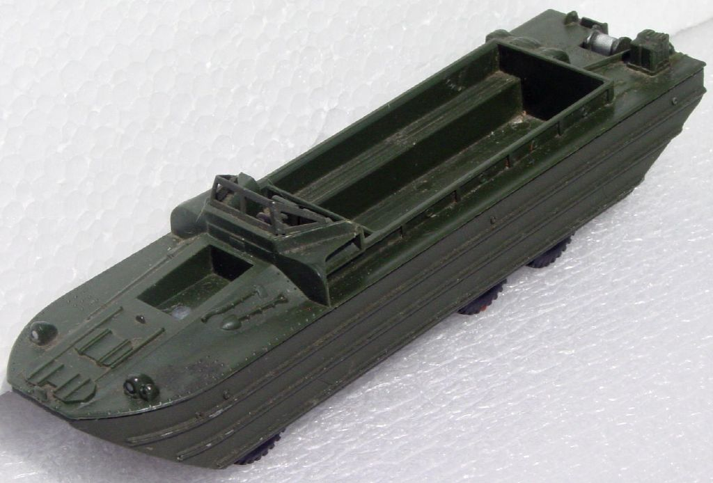 Dinky 825 - DUKW -1 propeller blade no hatch cover