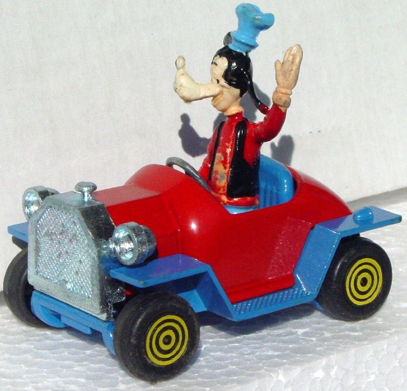 43 - POLITOYS W5 Goofys Car slight wear