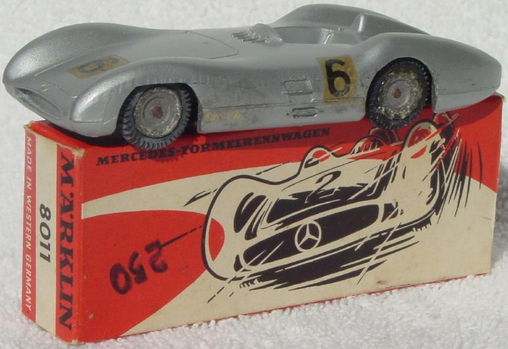 43 - MARKLIN 8011 Mercedes Racer met Grey wheel corrosion
