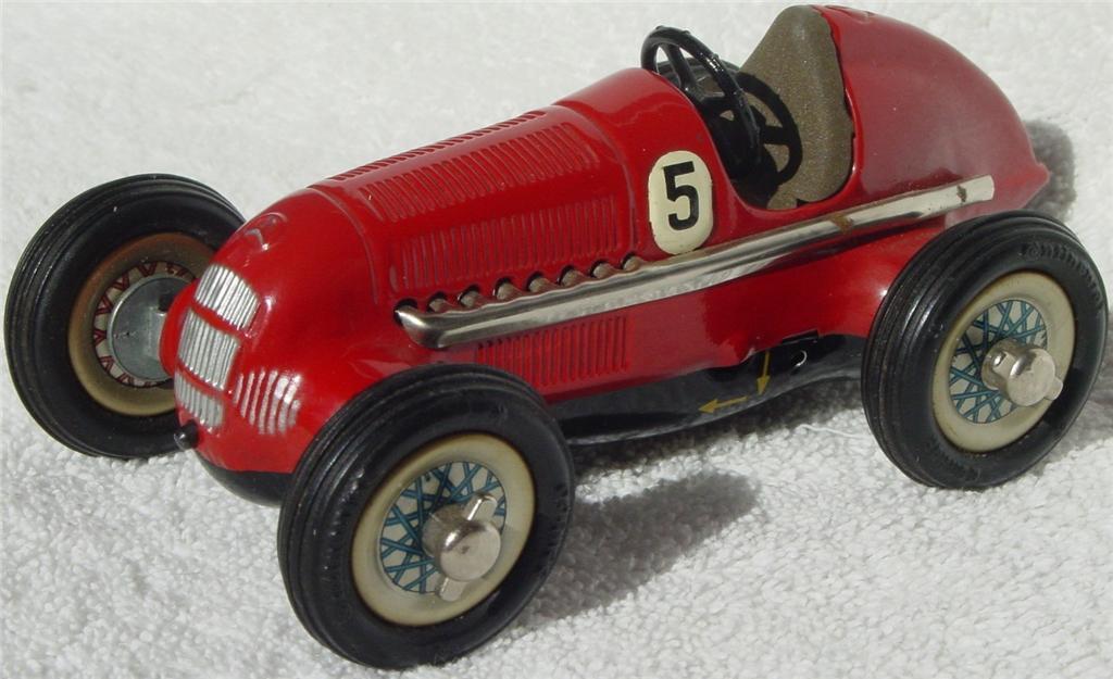 Schuco 1050 - Studio Merc Racer Red driver school W Germany