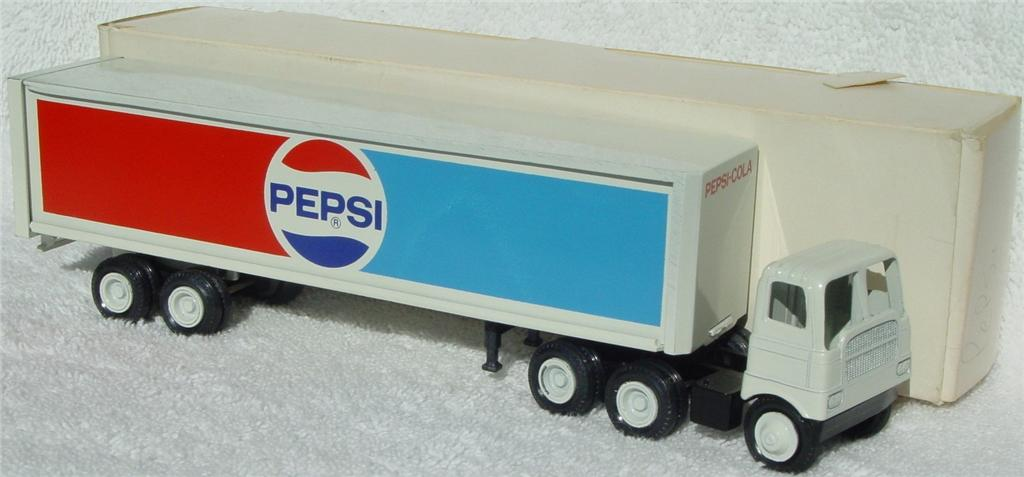 Winross - White 5000 Pepsi White thin box 1977