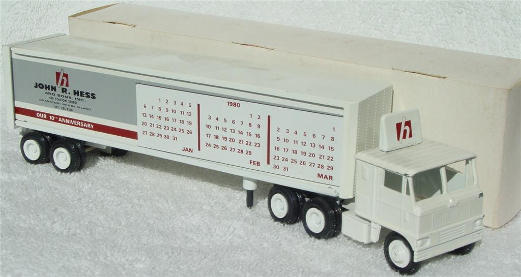 Winross - White 7000 Hess Calendar White 1980 thin box 1979