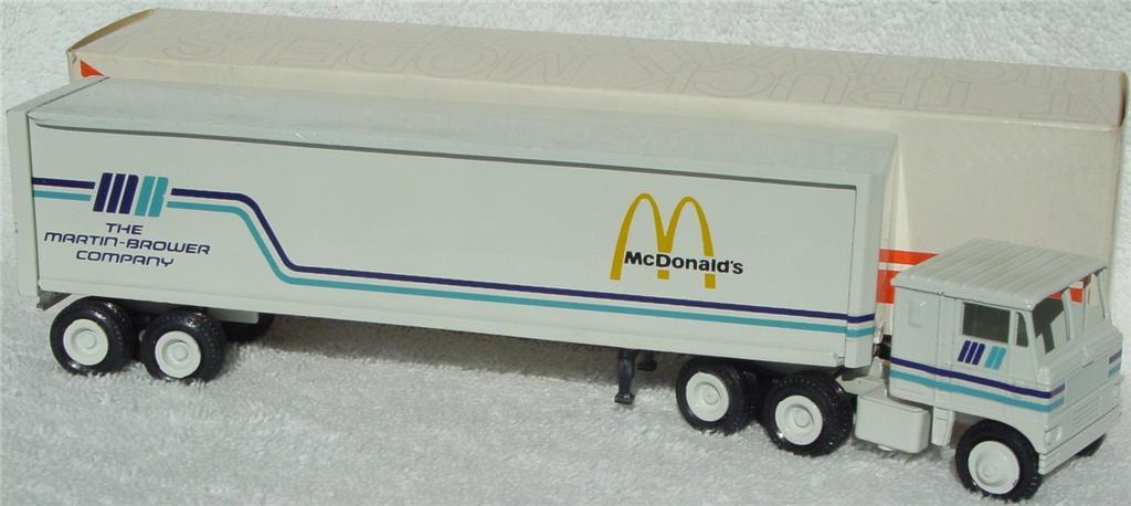 Winross - White 7000 McDonalds White thin box 1979