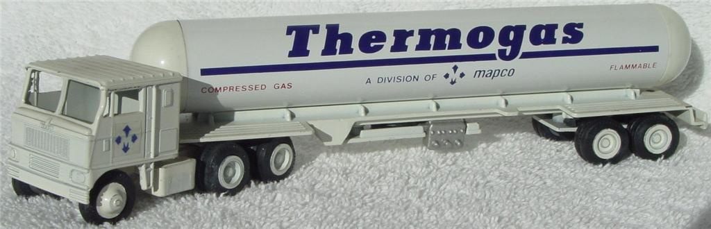 Winross - White 7000 Thermogas Tanker White broken dolly