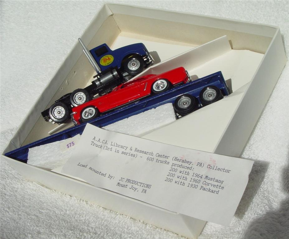 Winross - Kenworth 800 Antique Auto Club Amer with Mustang JCP