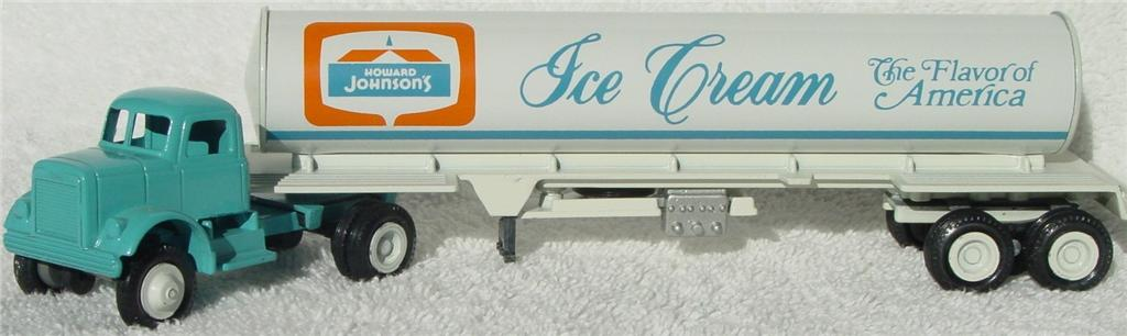 Winross - White 9000 Howard Johnsons Tanker Blue/Cream 1978
