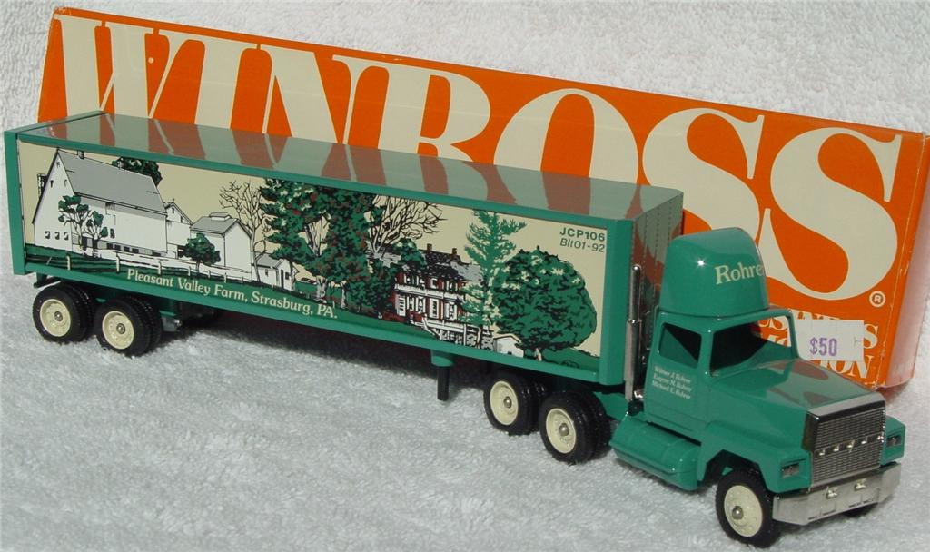Winross - Ford CL9000 Pleasant Valley Farms thin box 1992