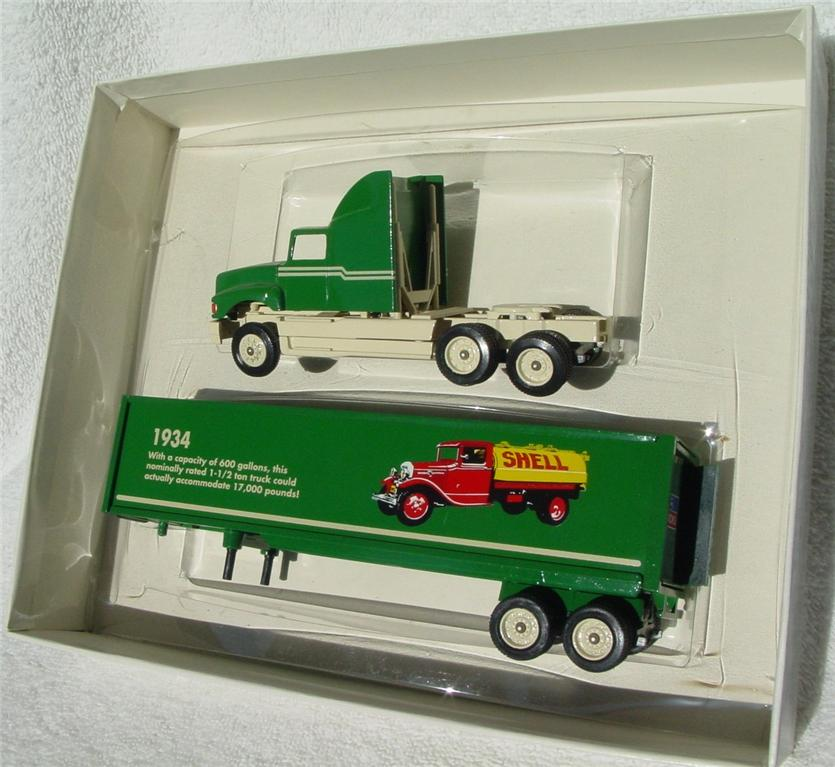 Winross - Ford CL9000 1942 WWII Ford Pup Truck Olive 1994