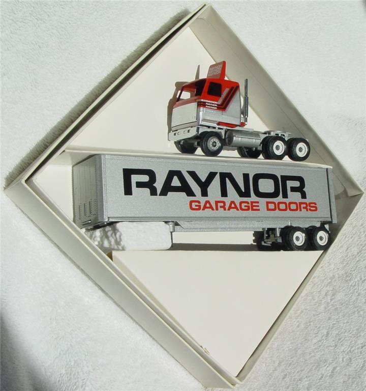 Winross - Mack Ultraliner Rayner Garage Doors met Grey 1988