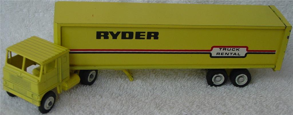 Winross - White 7000 Ryder Truck Rental Yellow unp doors