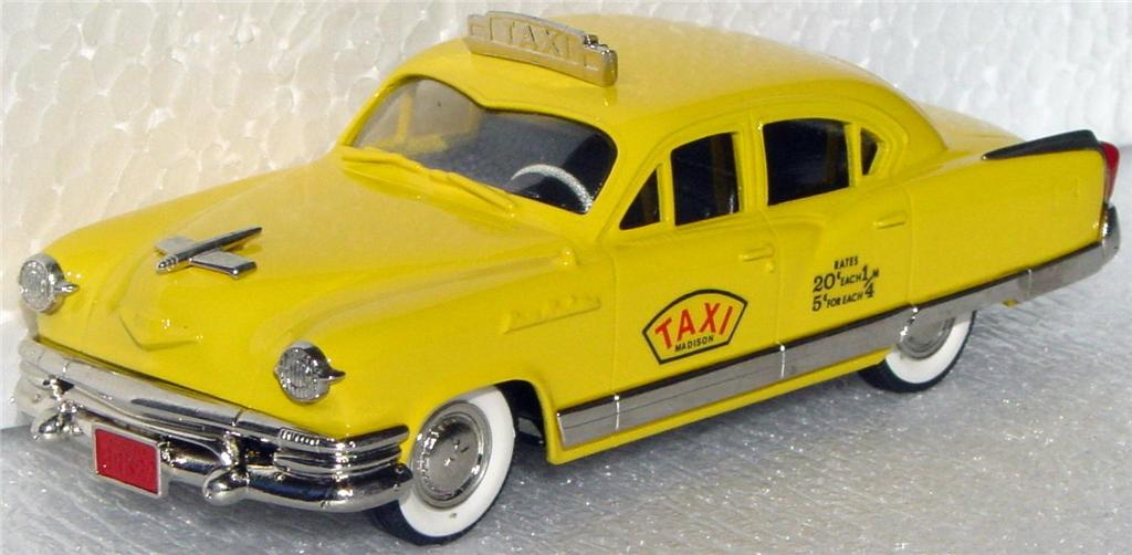 Brooklin 29 X - 1953 Kaiser Manhatten Taxi 1/500