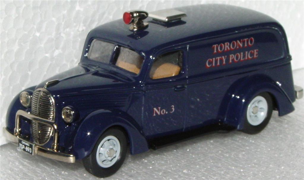 Durham Classics 39 - 39 Ford Del Toronto Police 1/350
