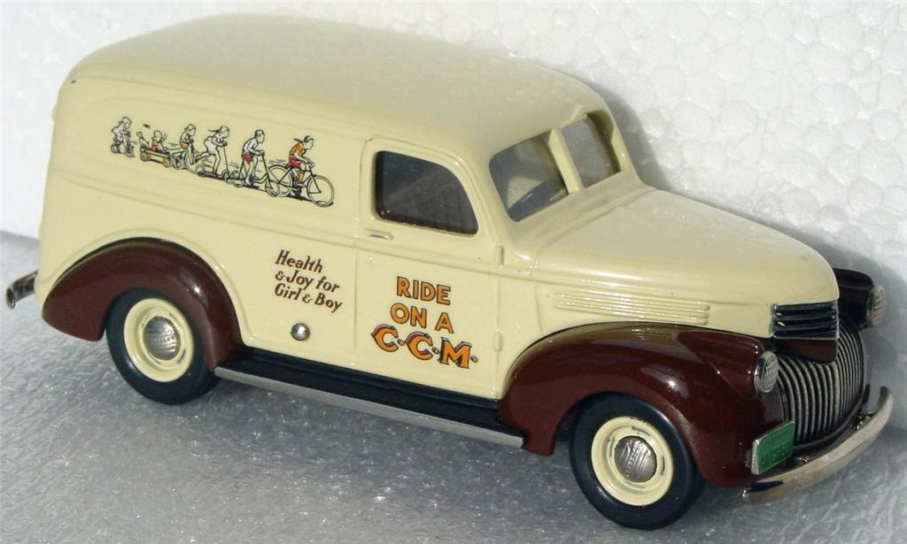 Durham Classics 41 - 41 Chevy Del Cream/Brown 93 TTS CCM 1/300