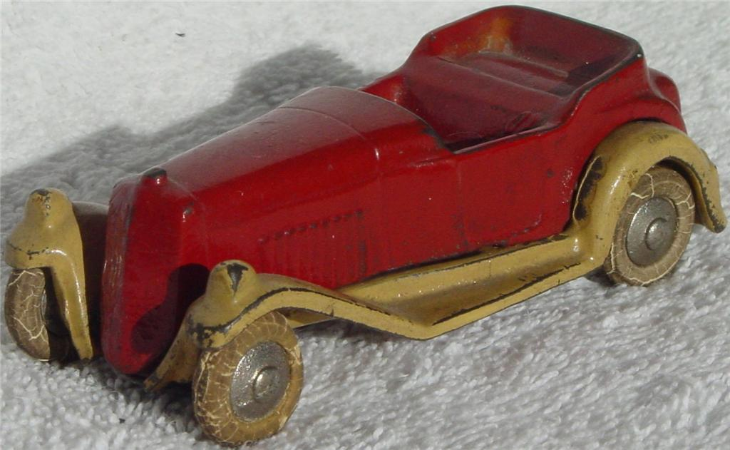 43 - KILGORE Cast Iron Roadster Red and Cream part. repaint?