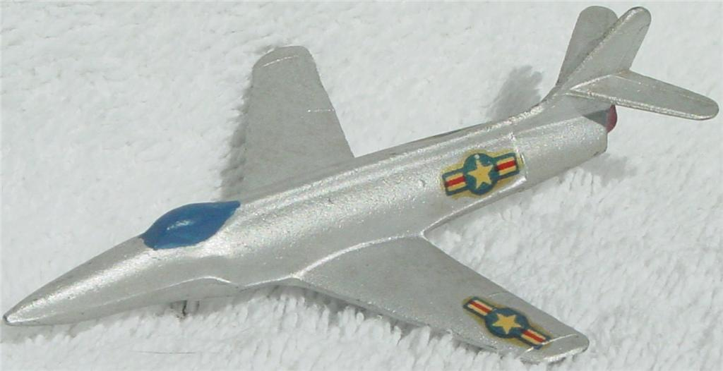43 - MERCURY 405 Lockheed F-90 blue canopy red wingtips