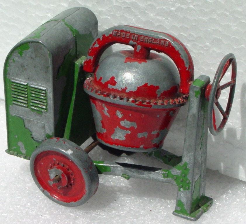Matchbox LESNEY Cement Mixer Green red barrel red wheels