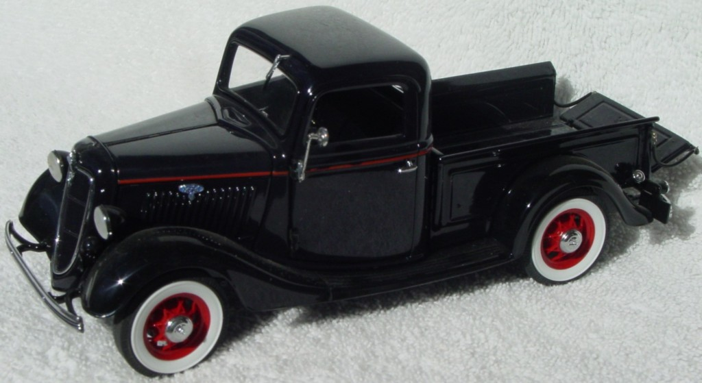 24 - DANBURY 35 Ford Pickup Black (95)