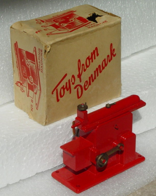 43 - Shaping Machine Red made in Denmark Langes C7 box