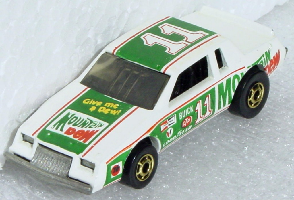 Blackwalls 3927 A - Nascar Mt Dew Stocker three slight chips Racing Stocker base