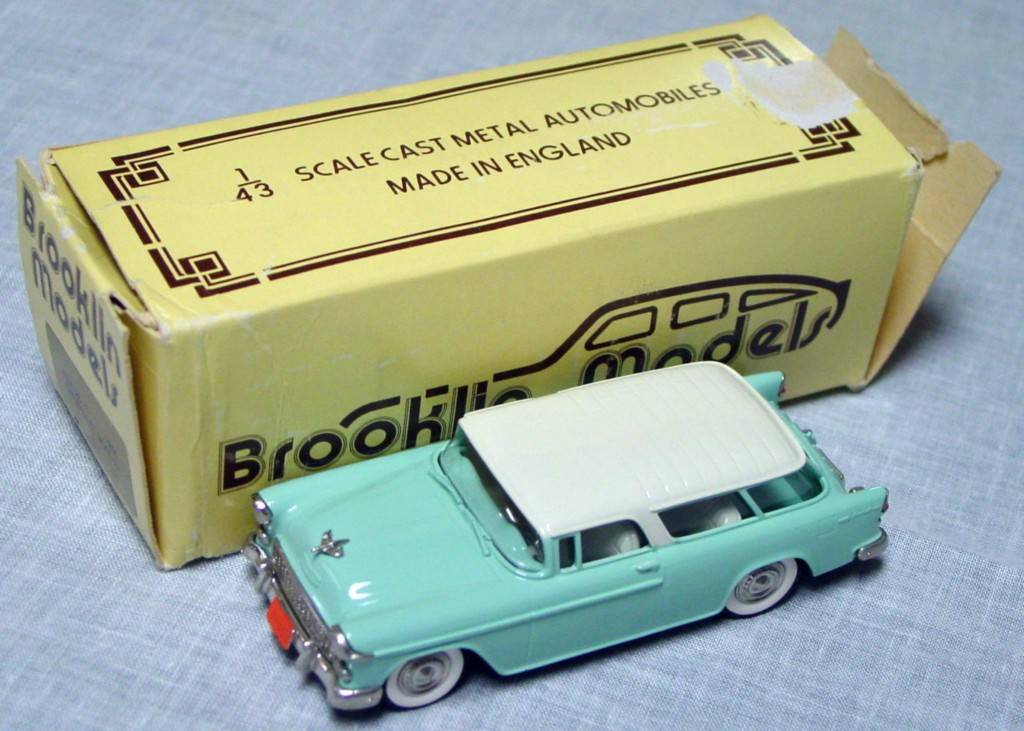 Brooklin 26 - 1955 Chevy Nomad Teal/White