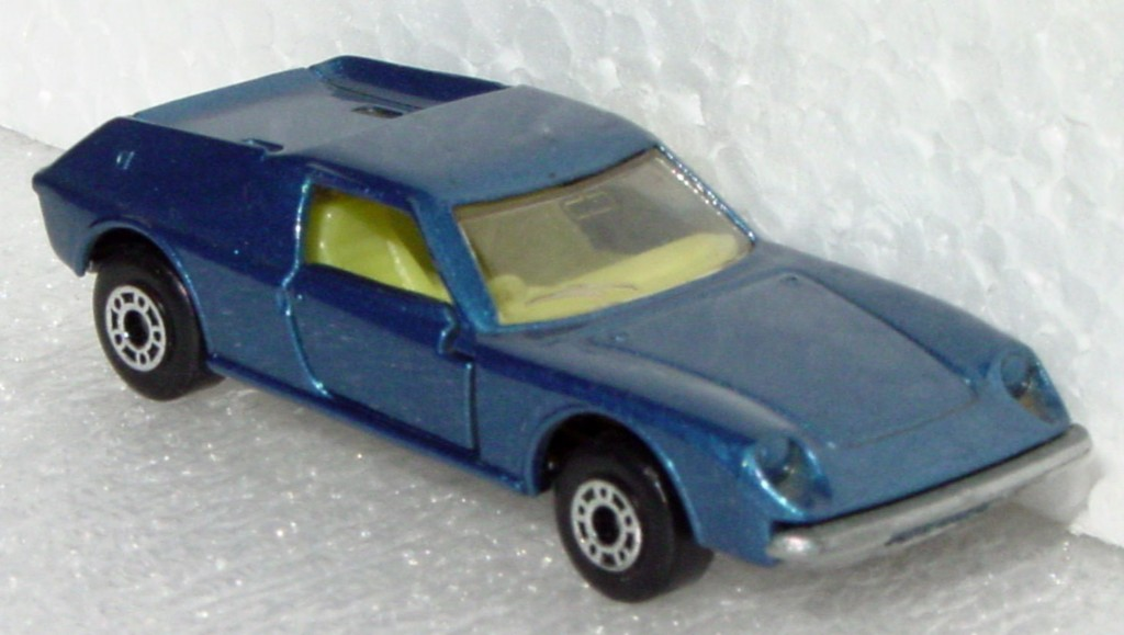 Bulgarian 05 A - Lotus Europa met Blue sil-grey base yellow interior