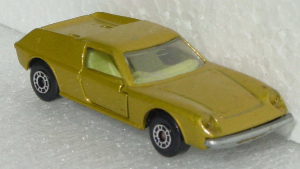 Bulgarian 05 A - Lotus Europa Gold sil-grey base yellow interior clear window