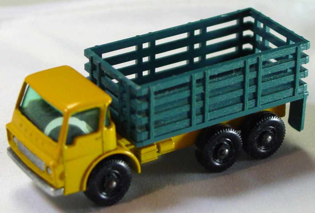 Regular Wheel 04 D 1 - Stake Truck BLUE Stakes! two slight chips Stannard code 1
