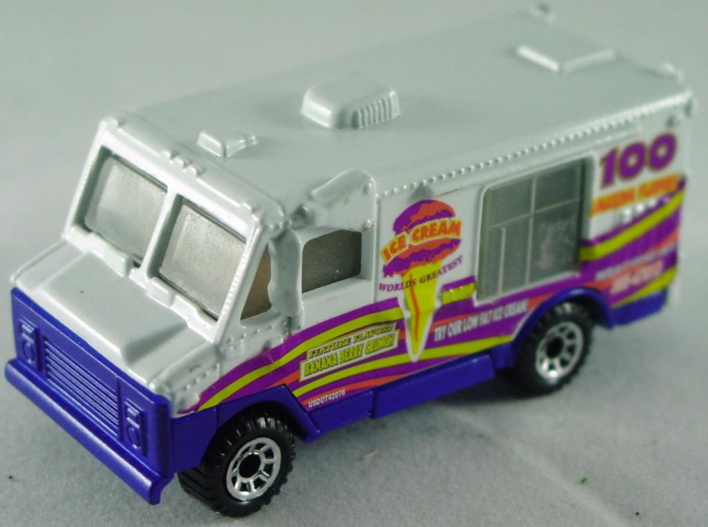 Pre-production 03 - RealTalkin Snack truck White 100 flavors 8-spk 2 chips