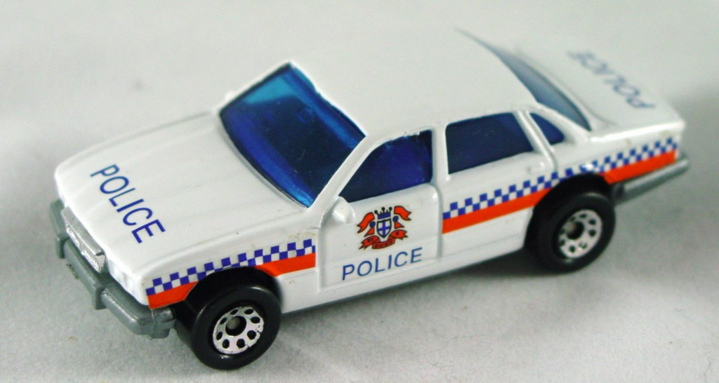 Pre-production 01 F 2 - Jag XJ6 Police white no dome lts grey base DECALS