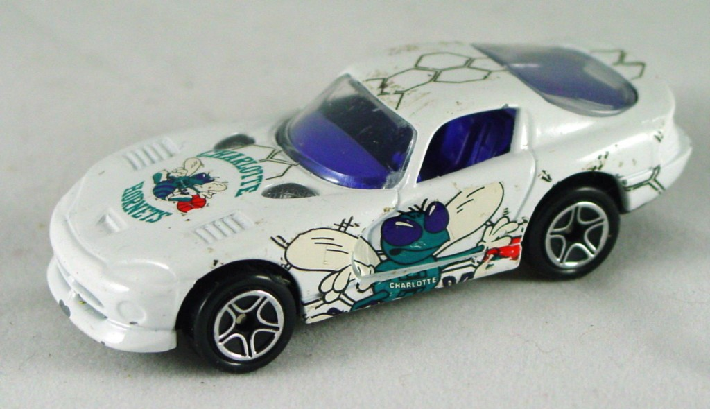 Pre-production 01 G 22 - Dodge Viper GTS White Hornets made in China rivet glue DECALS