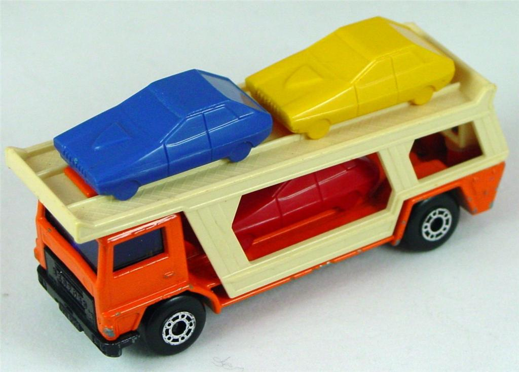 Brazilian 11 C 43 - Car Transporter Orange and beige B/Y/R TAB BAS